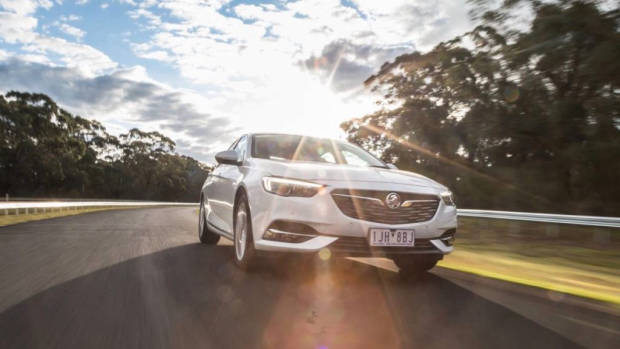 2018 Holden Commodore LT white front