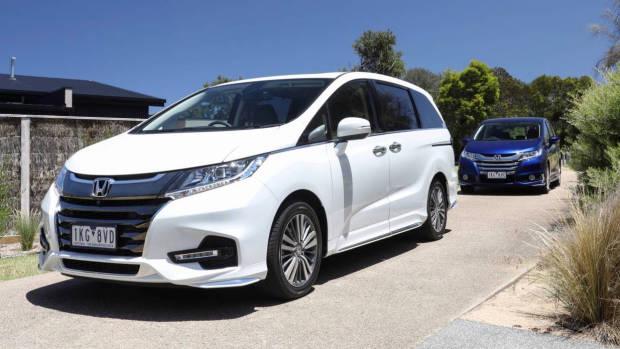 2018 Honda Odyssey VTi-L white + VTi blue
