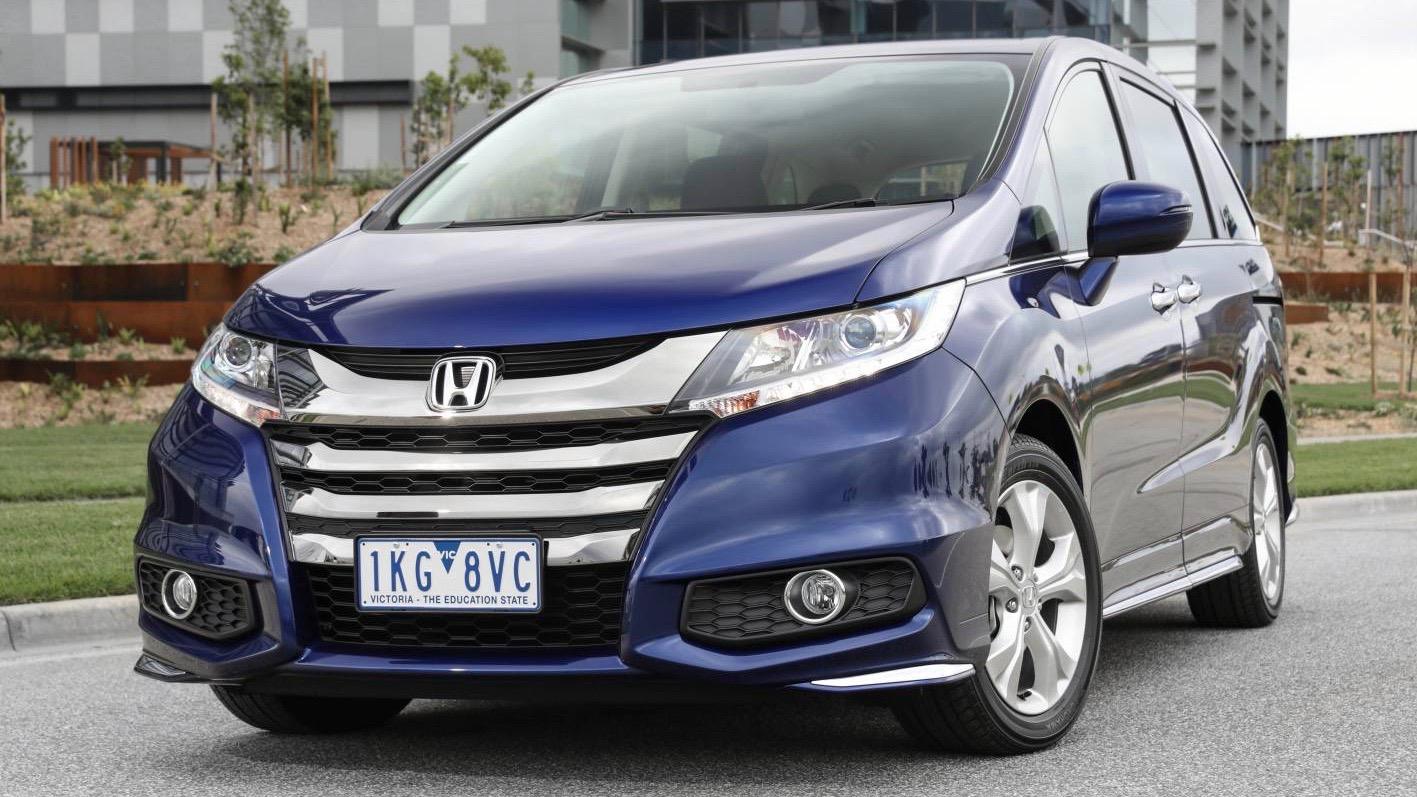 2018 Honda Odyssey VTi blue front