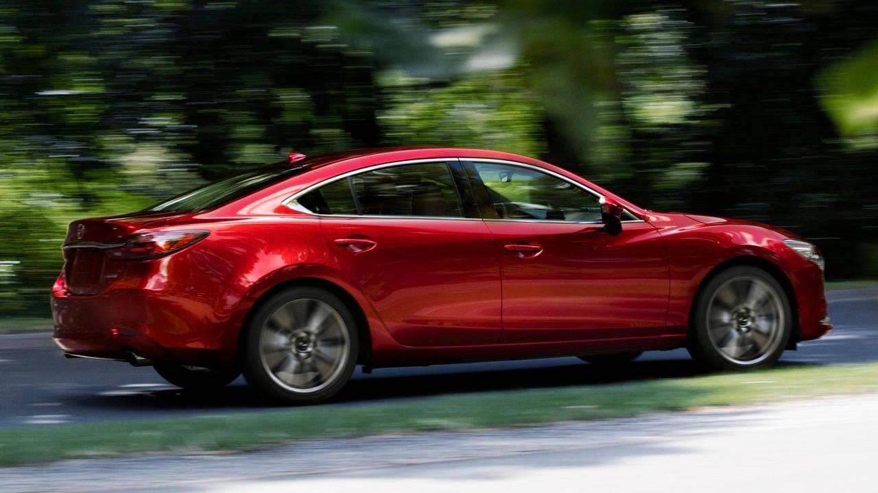 2018 Mazda 6 Atenza Soul Red Crystal rear 3/4