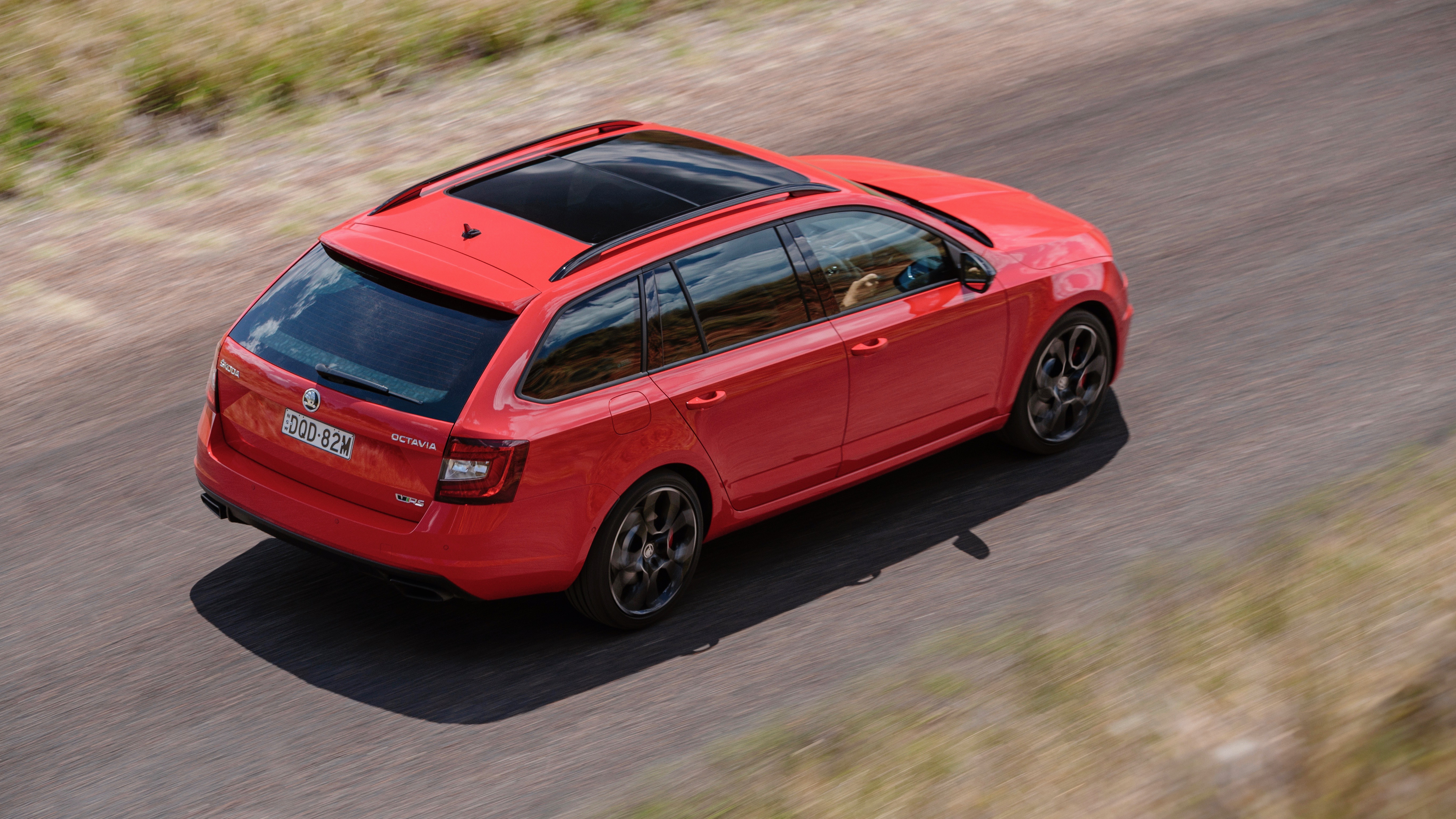 2018 Skoda Octavia RS245 wagon sunroof