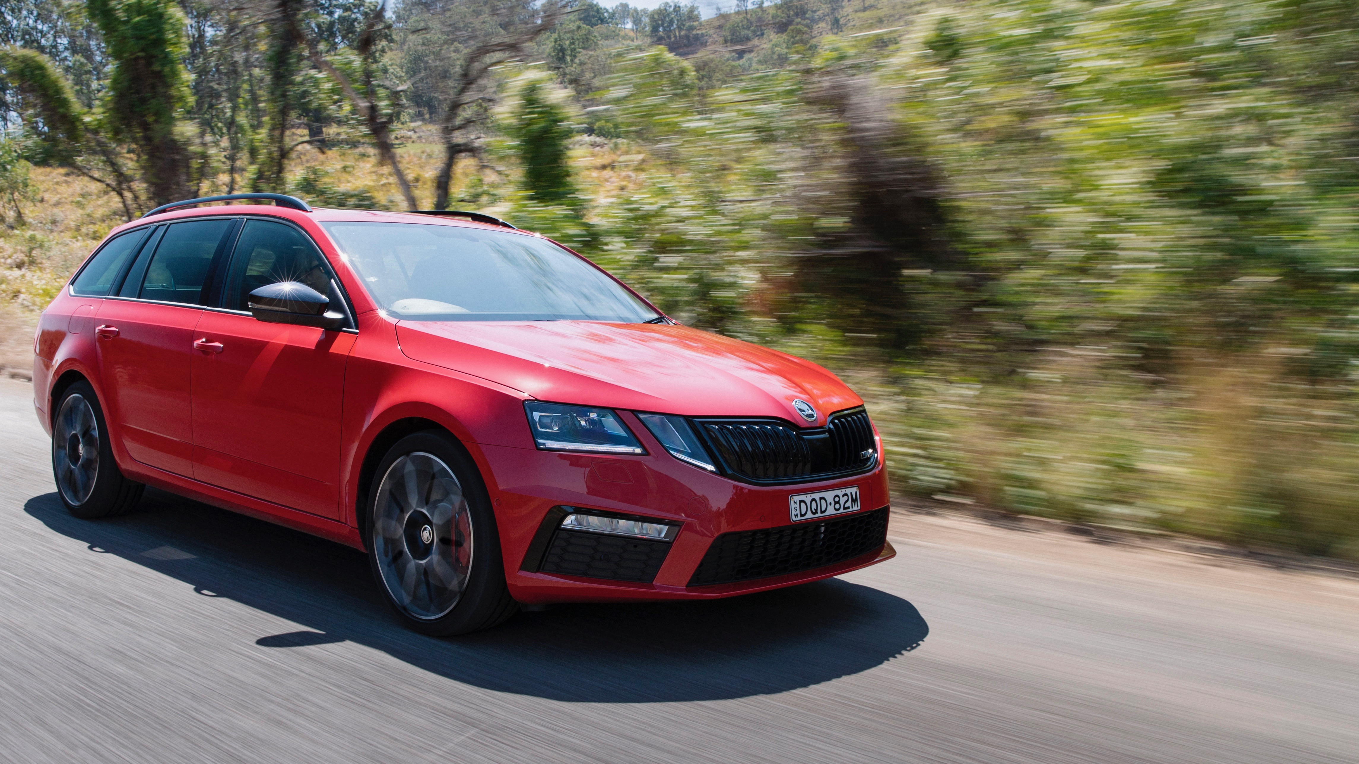 2018 Skoda Octavia RS245 red front 3/4
