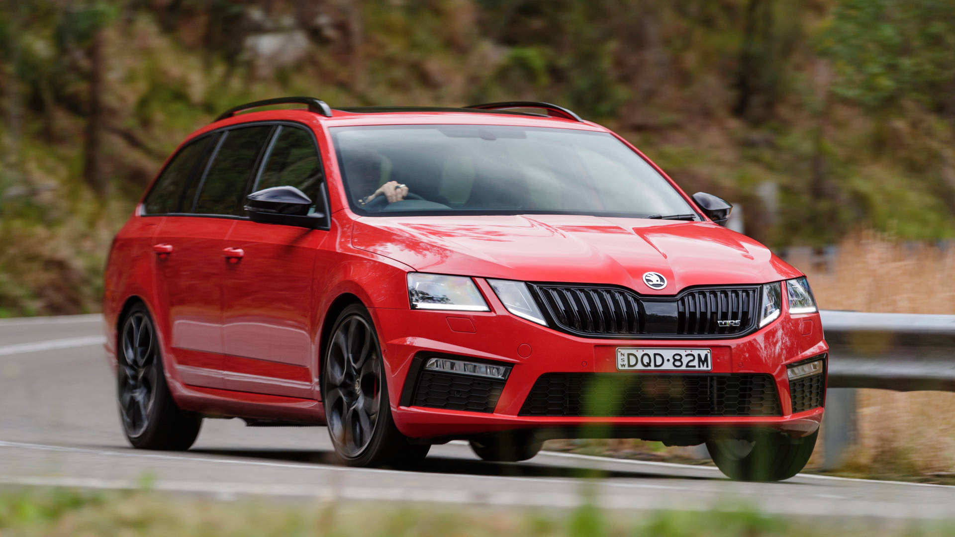 2018 Skoda Octavia RS245 red front detail