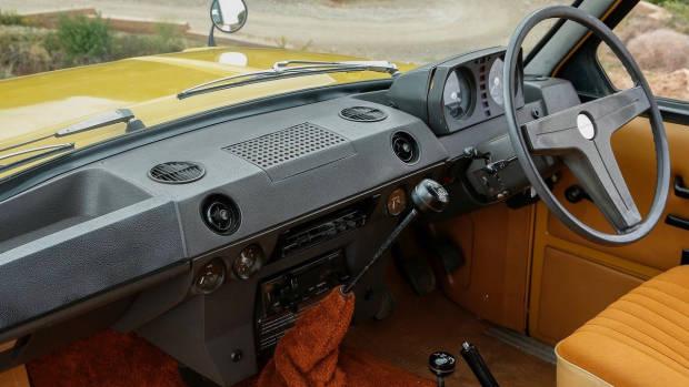 1970 Range Rover interior