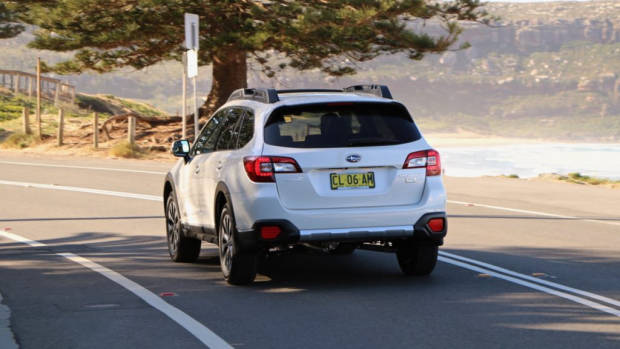 2017 Subaru Outback Premium Diesel Crystal White Rear End
