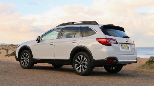 2017 Subaru Outback Premium Diesel Crystal White Rear Profile