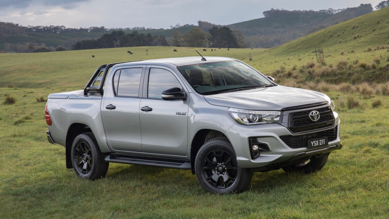 2018 Toyota HiLux Rogue Silver – Chasing Cars