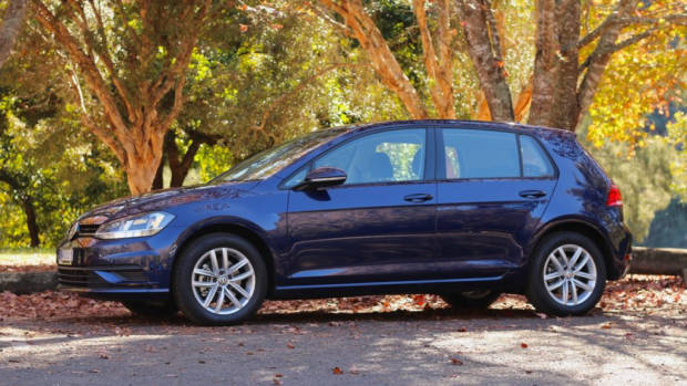 2018 Volkswagen Golf 110TSI Atlantic Blue Side Profile