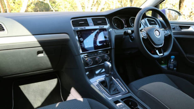 2018 Volkswagen Golf 110TSI Dashboard and Front Seat