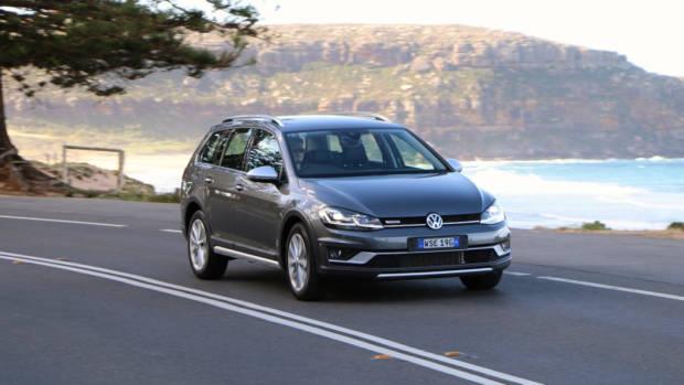 2018 Volkswagen Golf Alltrack Premium Indium Grey Front End