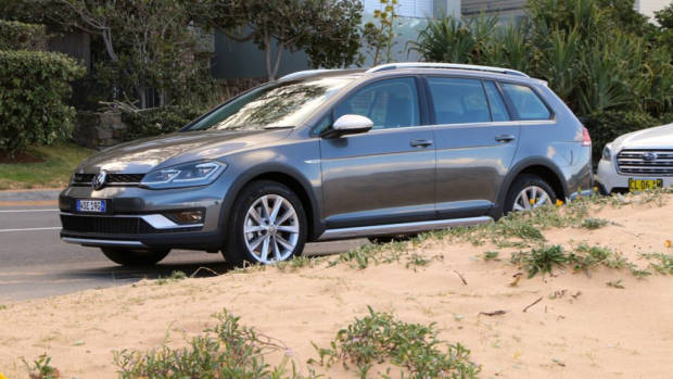 2018 Volkswagen Golf Alltrack Premium Indium Grey Side Profile