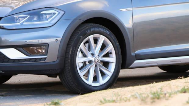 2018 Volkswagen Golf Alltrack Premium Indium Grey Wheels