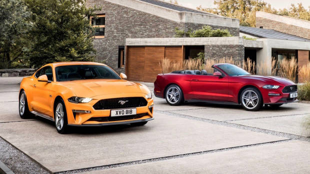 2018 Ford Mustang GT coupe Orange Fury + convertible Royal Crimson