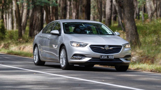 2018 Holden Commodore Calais Nitrate Silver Front End