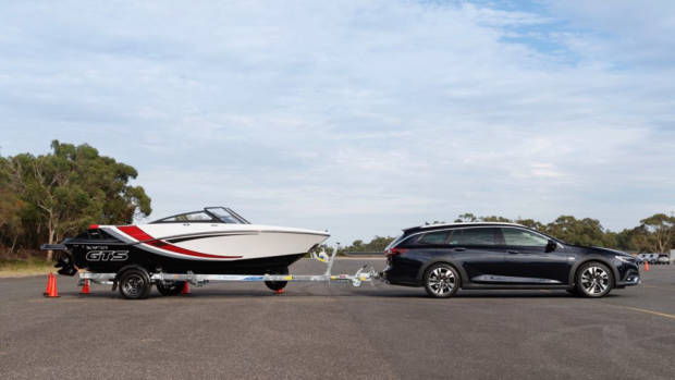 2018 Holden Commodore Calais V Tourer Darkmoon Blue Towing Boat
