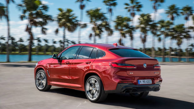 2019 BMW X4 M40i red rear 3/4 motion