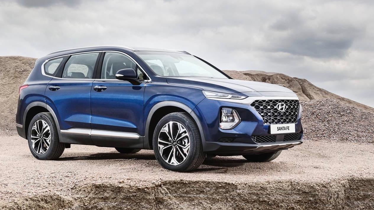 2019 Hyundai Santa Fe front 3/4