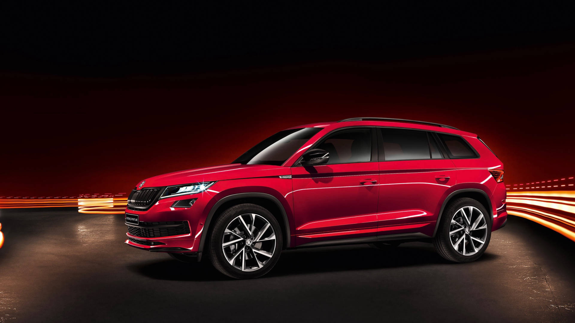 2018 ŠKODA Kodiaq Sportline red side