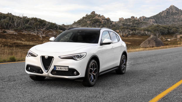 2018 Alfa Romeo Stelvio First Edition white front 3/4