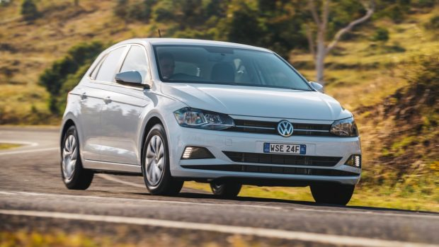 2018 Volkswagen Golf Review 70TSI Pure White Front End