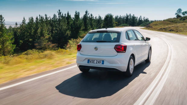 2018 Volkswagen Golf Review 70TSI Pure White Rear End