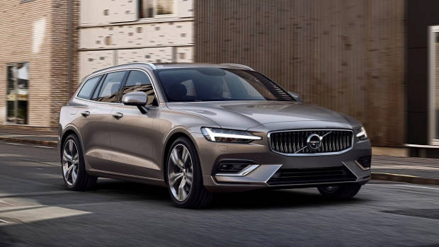 2019 Volvo V60 T6 beige front moving