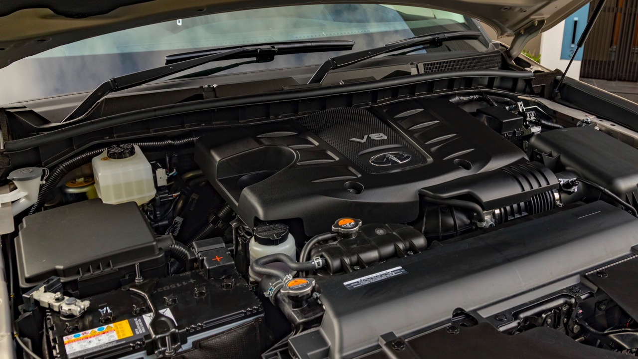 2018 Infiniti QX80 Review 5.6 litre V8 engine