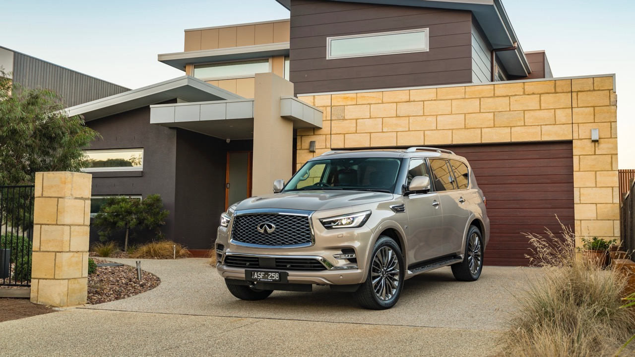 2018 Infiniti QX80 Review Champagne Quartz Front End