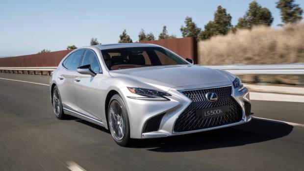 2018 Lexus LS silver front