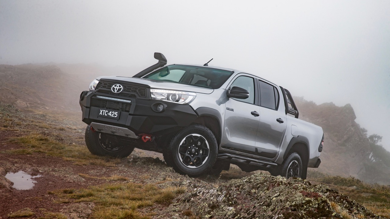 2018 Toyota HiLux Rugged X Review Front End