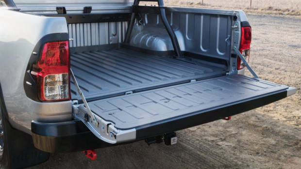 2018 Toyota HiLux Rugged X Review Lined Tray