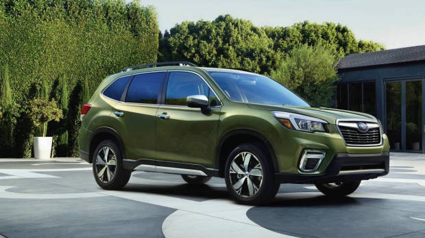 2019 Subaru Forester green front static