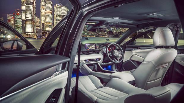 2018 Mazda 6 Atenza interior
