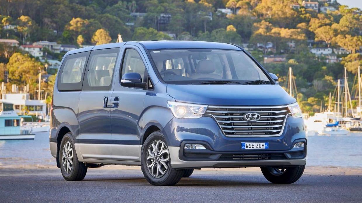 2019 Hyundai iMax Elite blue front