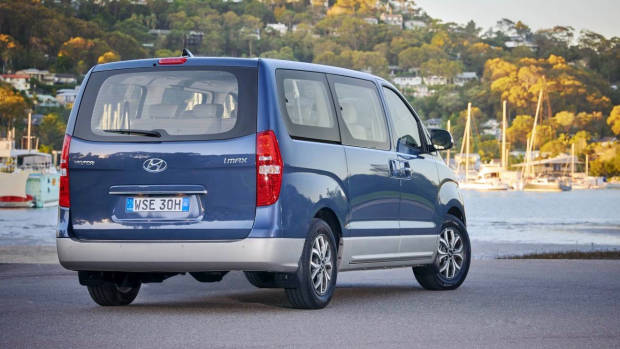 2019 Hyundai iMax Elite blue rear