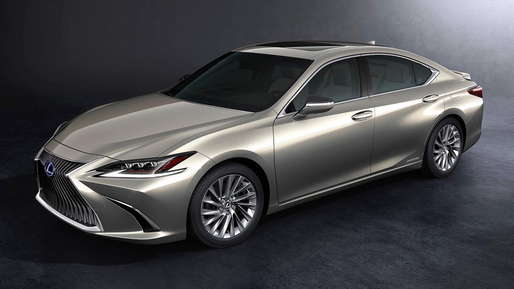 2019 Lexus ES front 3/4