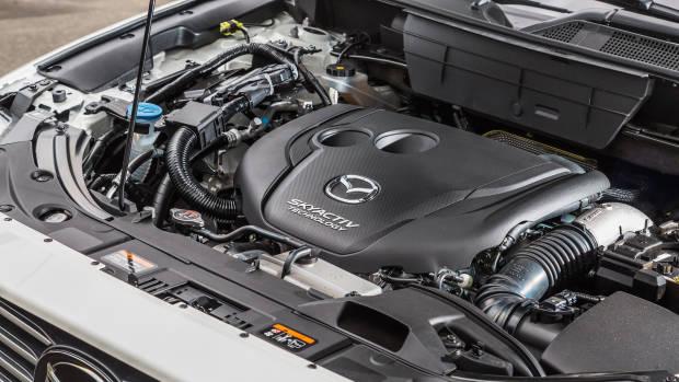2018 Mazda CX-8 Asaki engine detail