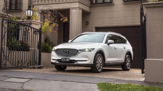 2018 Mazda CX-8 Asaki front 3/4 house