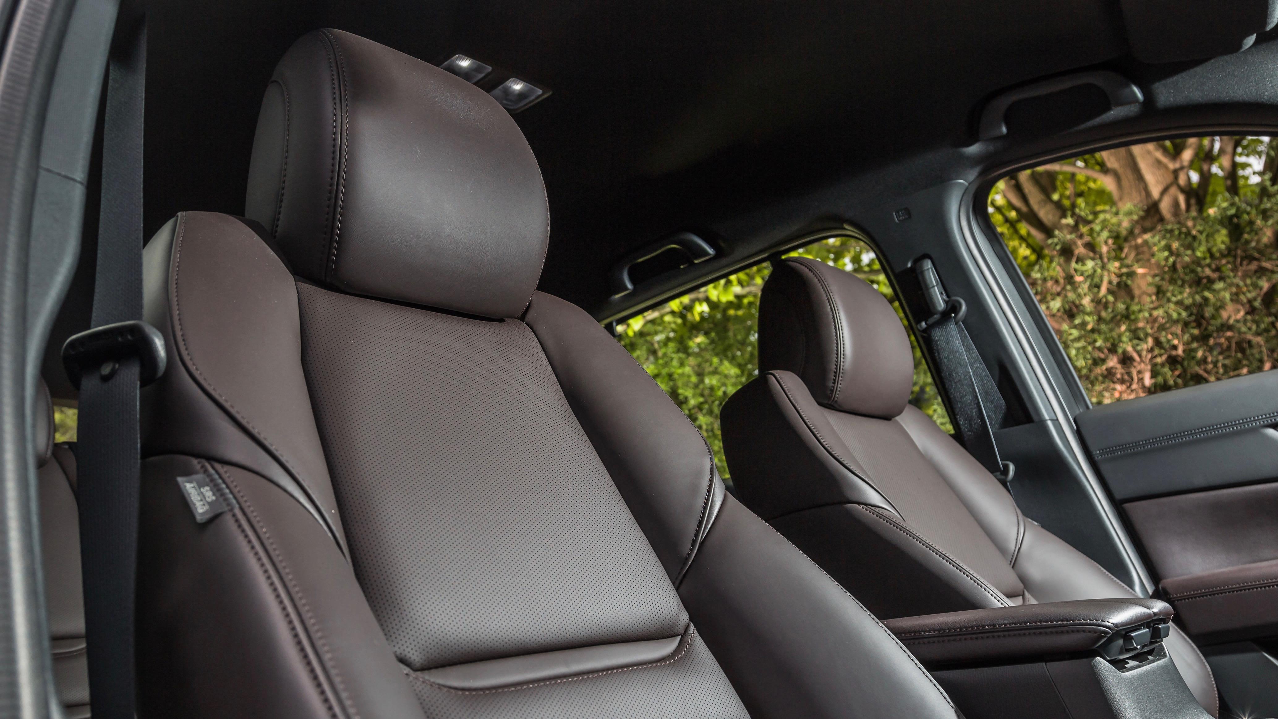 2018 Mazda CX-8 Asaki front seat