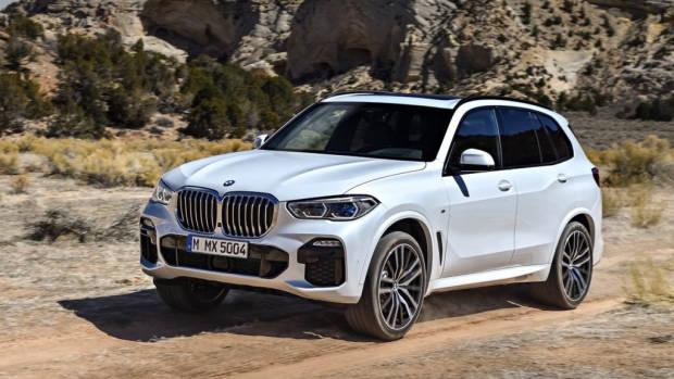 2019 BMW X5 M Sport white front