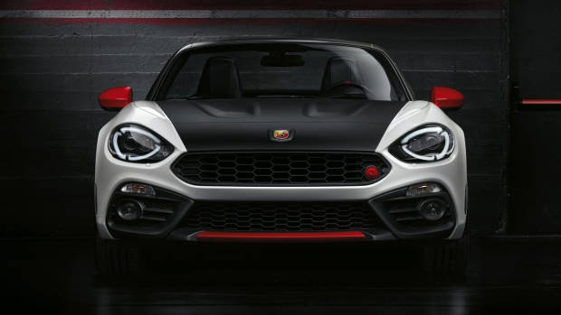 Abarth 124 Spider Monza Edition front