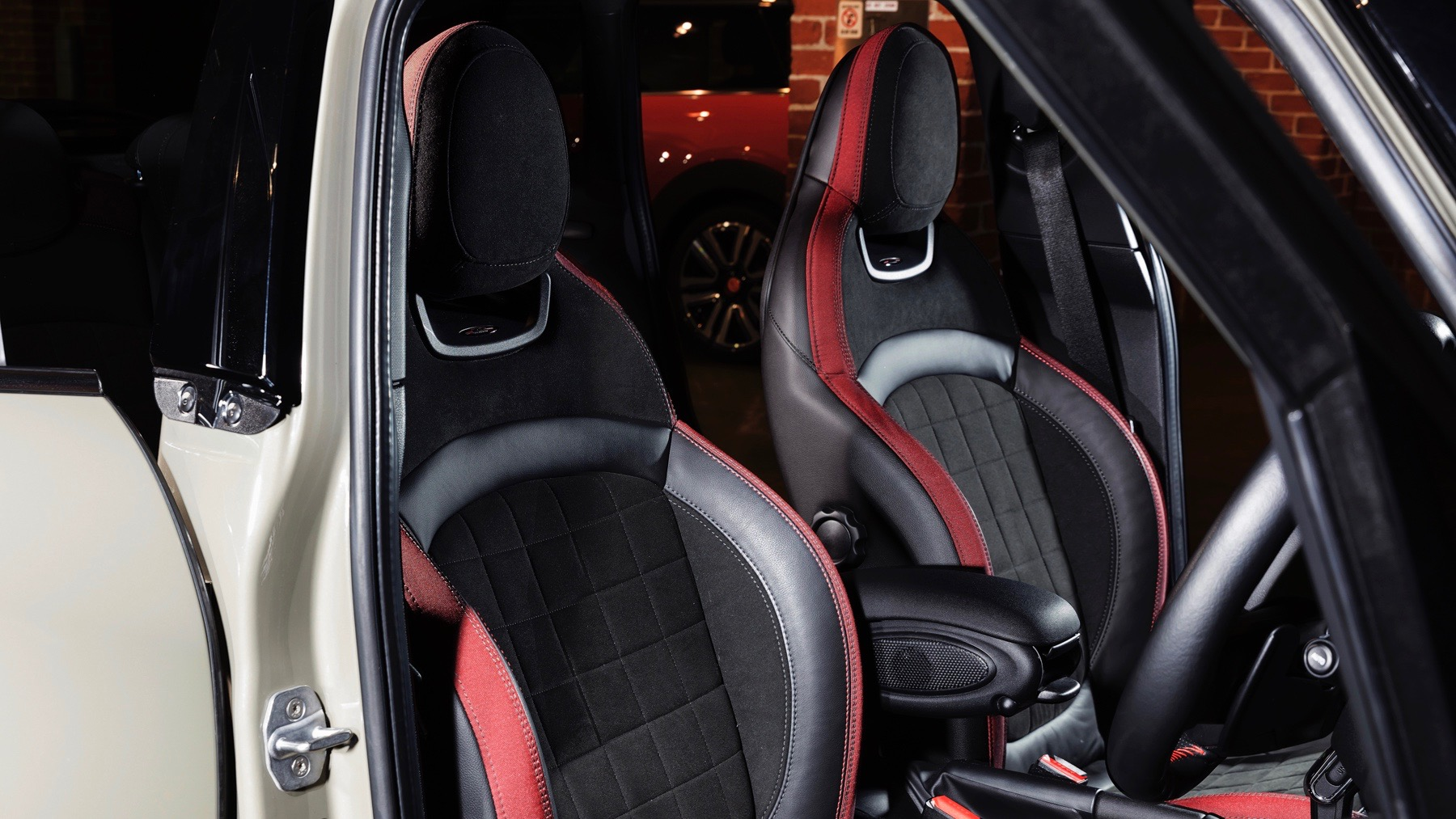 2018 MINI Cooper S JCW Sport Pack seats