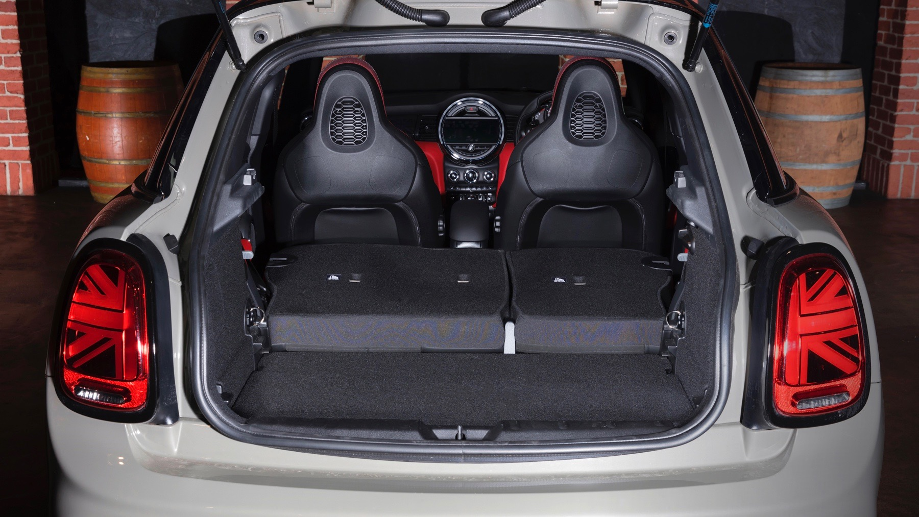 2018 MINI Cooper S boot seats down