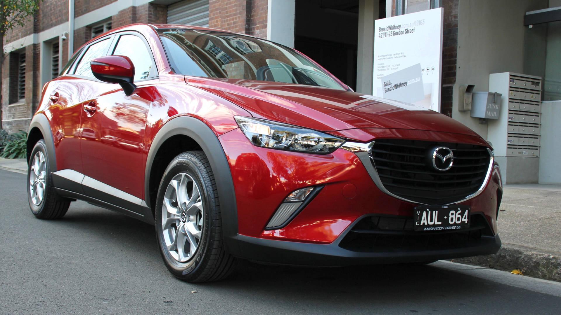 2018 Mazda CX-3 front 3/4 detail