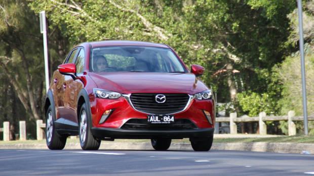 2018 Mazda CX-3 moving front 3/4 close