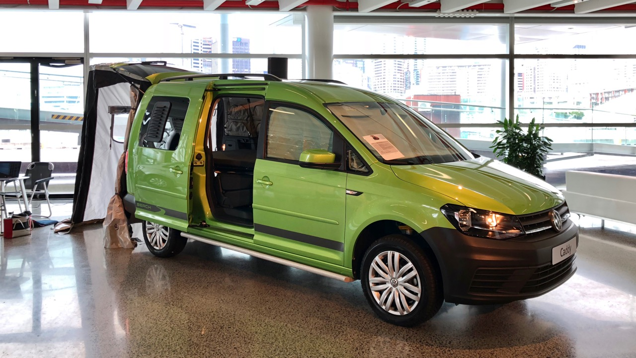 2018 Volkswagen Caddy Beach Viper Green Front