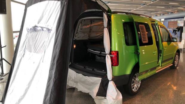 2018 Volkswagen Caddy Beach Viper Green Rear