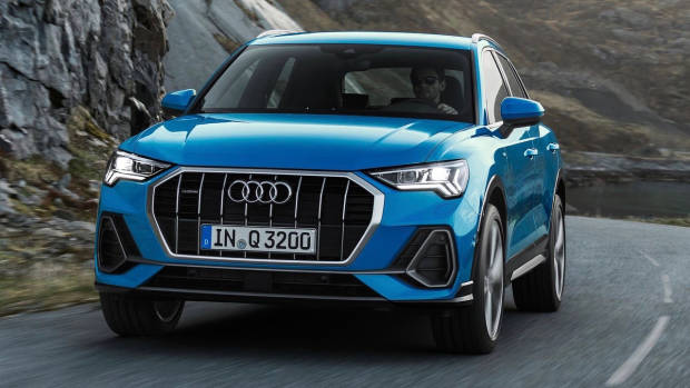 2019 Audi Q3 front 3/4 moving