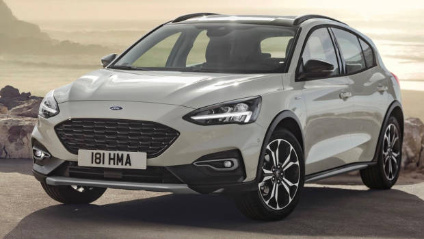 2019 Ford Focus Active hatch front 3/4
