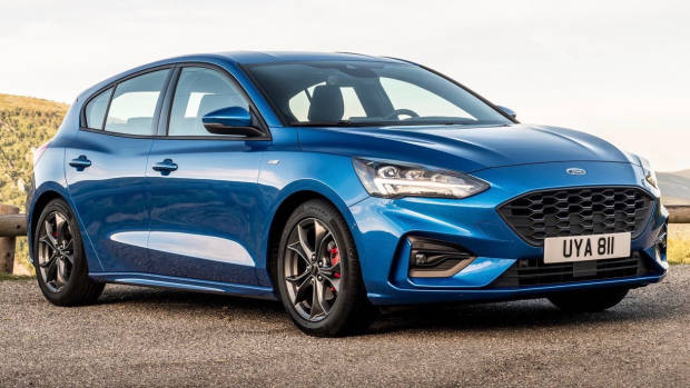 2019 Ford Focus ST-Line hatch front 3/4